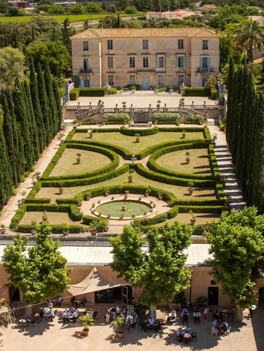 Flaugergues castle flaugergues castle annuaire visit for Chateau olivier