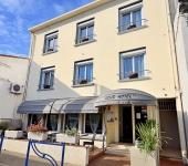 AZUR HOTEL **